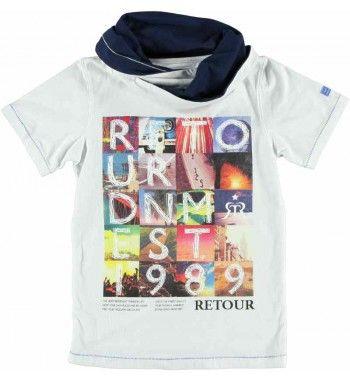 Super hip t-shirt van Retour Jeans met 'sjaal col' en korte mouw. Op de voorkant een grote foto print 'Retour DNM Est 1989'. De zomen zijn met een recht stiksel versiert.  Retour Jeans Hery www.kidsindustry.nl