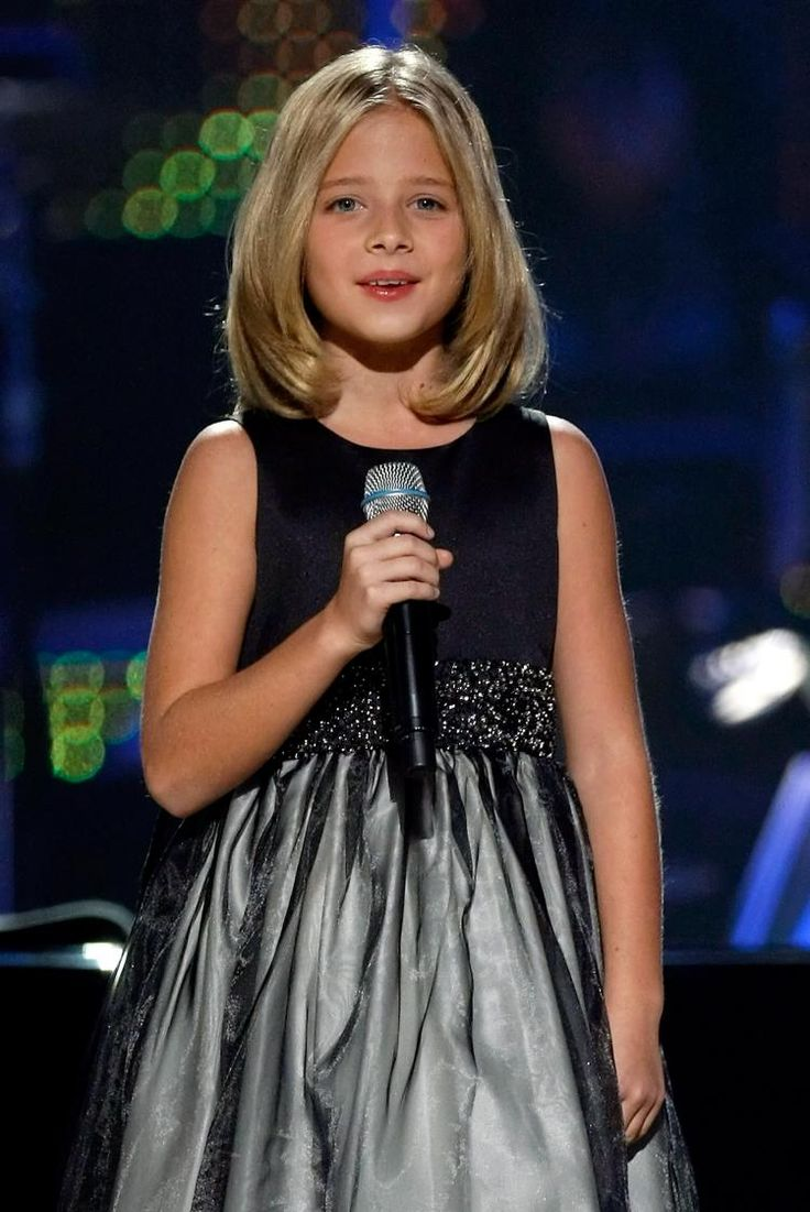 This little girl is more than amazing, one of a kind voice for this age.