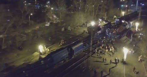 В субботу вечером на западе Москвы произошло столкновение электрички и  поезда дальнего следования. Согласно последним данным, в резуль...