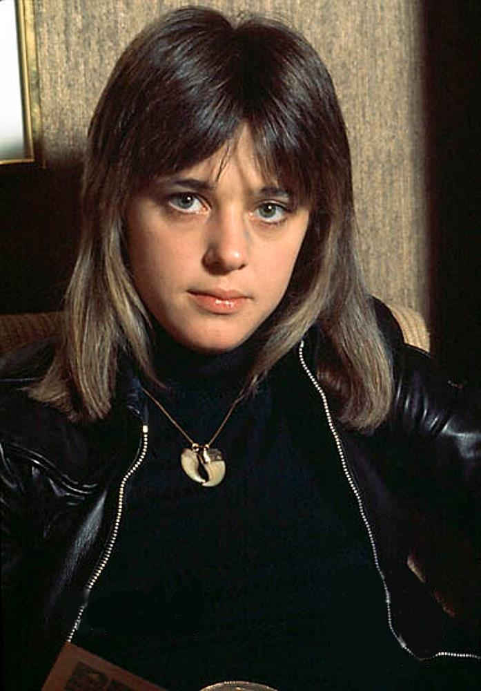 Suzi Quatro, sporting her ridiculously cool lioness shag