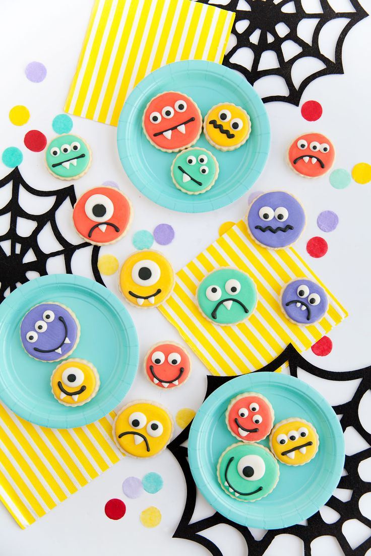 DIY MONSTER COOKIES | Tell Love and Party | Bloglovin