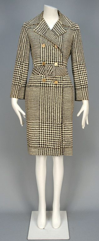 DONALD BROOKS HOUNDSTOOTH COAT, 1970s.