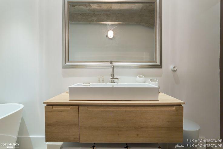 1000 id es sur le th me grands miroirs de salle de bains for Miroir au dessus du lit