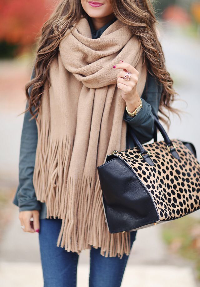 Most Cozy Scarf To Wear In Fall And Winter  - Diana Nava