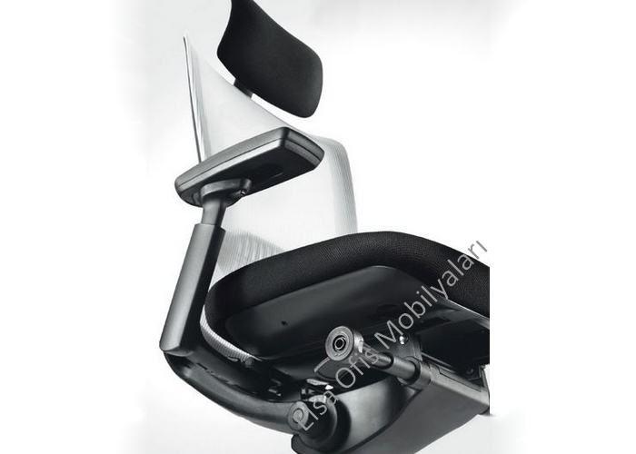 Fileli ofis koltukları Elsa-X serisi çok fonksiyonlu, bel destekli aliminyum piramit ayaklı amaortisorlü fileli ofis koltuğu.