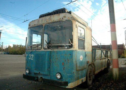 В августе в Перми появится памятник пермскому троллейбусу. В качестве музейного экспоната будет представлен грузовой троллейбус модели КТГ-2. Работники депо приступили к восстановлению экспоната. Он будет установлен по адресу: улица Уральская 108а и составит компанию пермскому ретро-трамваю КТМ-1.