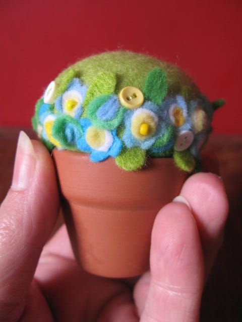 forget-me-not pin cushion by Joy Williams, via Flickr