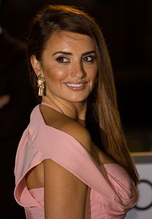 Producto: La actriz Penélope Cruz en el 2012 Festival de Cine de Toronto. She is a very famous actress from spain