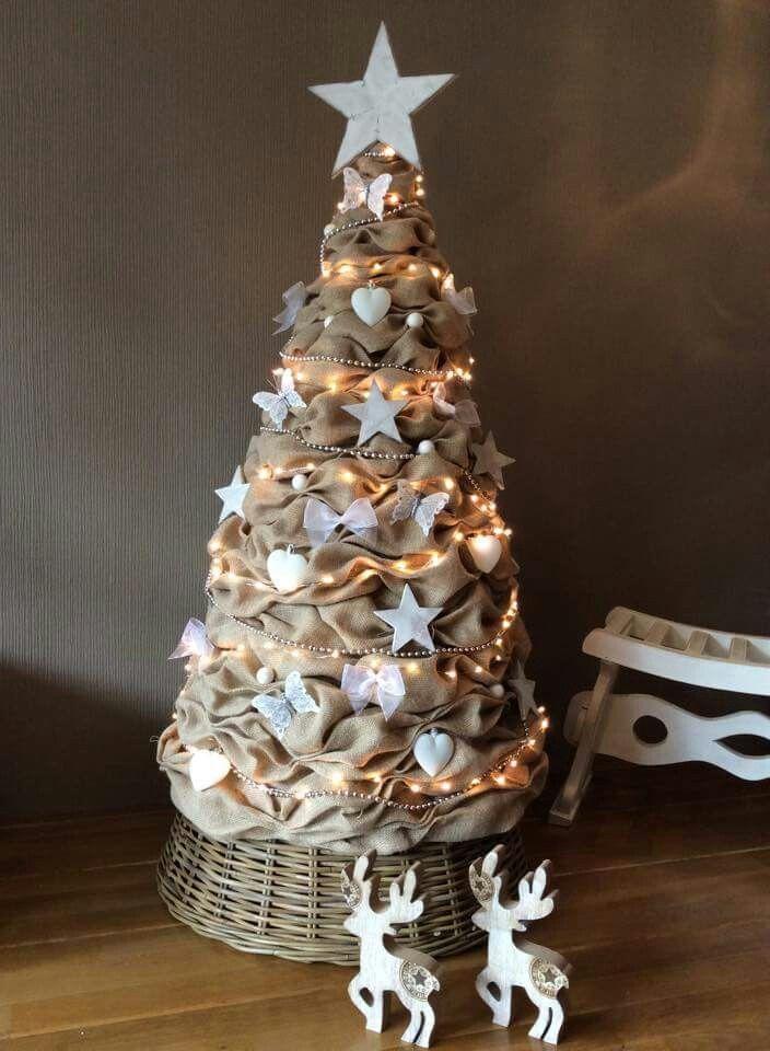 Grote jute kerstboom gemaakt door Anna Staszczyk
