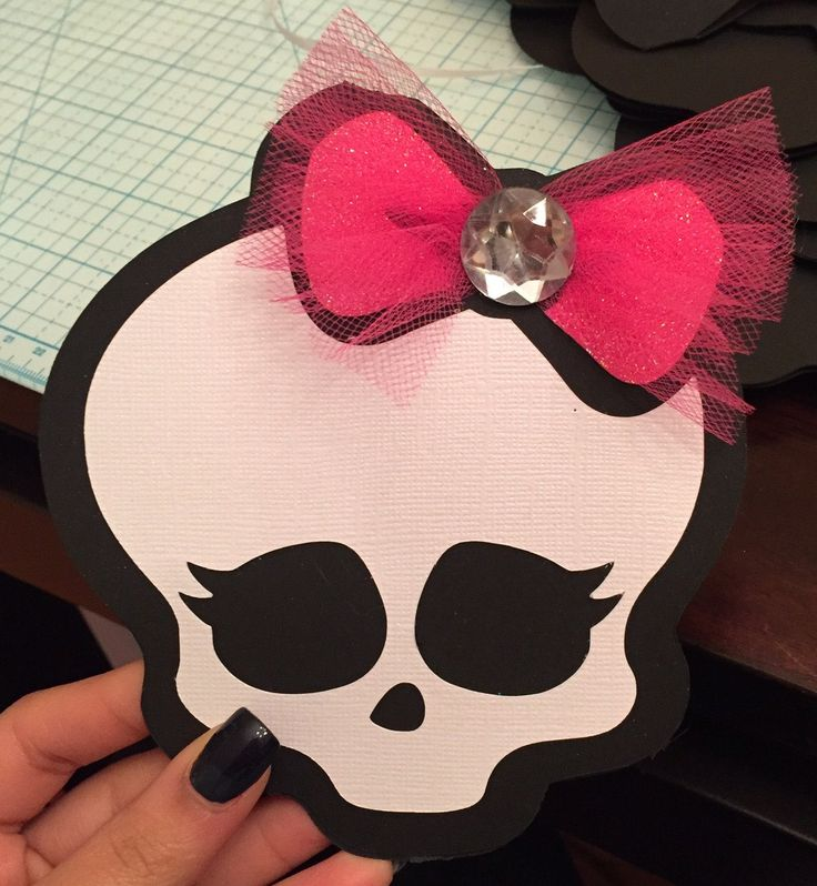 Monster High Skull Invitation by CreativeMoments4You on Etsy https://www.etsy.com/listing/190302786/monster-high-skull-invitation
