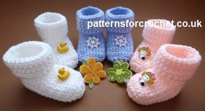 Free Baby crochet pattern for cosy toes booties http://patternsforcrochet.co.uk/cozy-toe-booties-usa.html #patternsforcrochet
