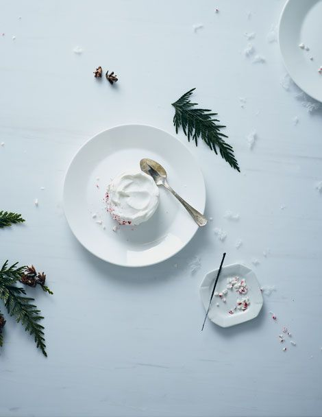 Blog: Oh Joy! / Photography: Michael Graydon / Styling: Nikole Herriott: Christmas Nibbles, Cake Christmas, Food Photography, Christmas Menu, Food Peppermint, Food Tabletop, Food Photographers, Dessert