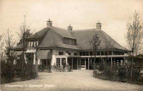 Uitspanning 't Joostman. Afgebrand in 1932. Later is op die plek het Groenendaal gebouwd.