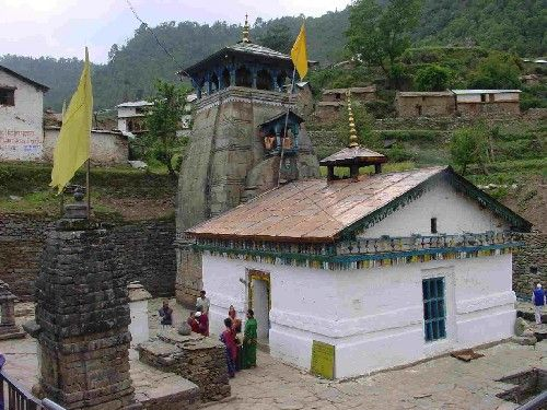 Triyuginarayan Temple is just 40 minutes drive away from Apple Valley Resort, Kullu. Triyuginarayan Temple is a Hindu temple located in the Triyuginarayan village in Rudraprayag district,Uttarakhand.