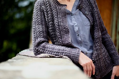 This pattern is 25% off until 21st April Midnight (Central European Time). No coupon code needed, the discount applies automatically. Happy Knitting!