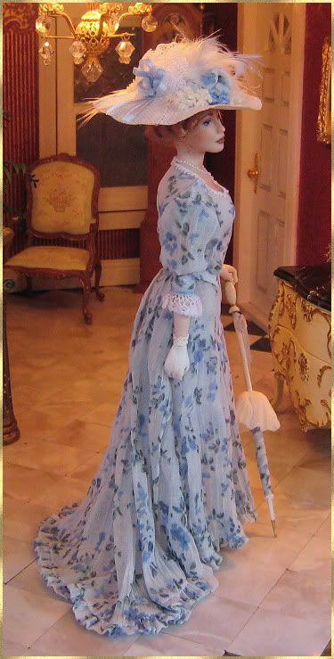 Annemarie Kwikkel  dolls are exquisite !!!