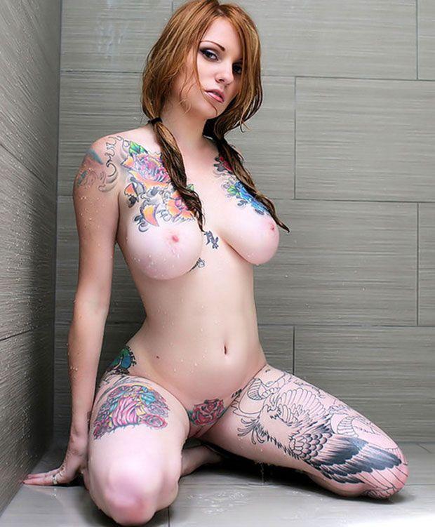 Sexy Female Tattoos Nude 76