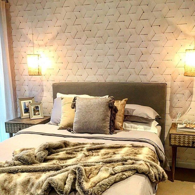 GlobeWest Vittoria Button Headboard and Retreat Triangle Print Bedsides. Image: @austurban_homes   #globewest #furniture #bedroom #bedside #interiordesign