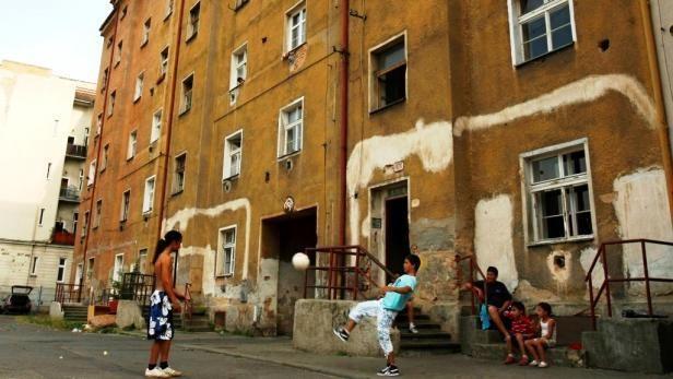 Kraj připravuje projekt na sociální bydlení >>> http://plzen.cz/kraj-pripravuje-projekt-na-socialni-bydleni/