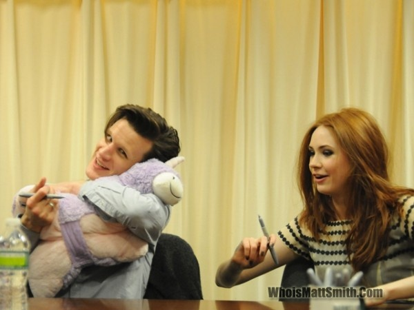 Matt with a unicorn pillow petKaren Gillan, Pillows Pets, Unicorns Pillows, Unbelievable Happy, Matte Smith, Amy Pond, Doctors, Dr. Who, Matt Smith