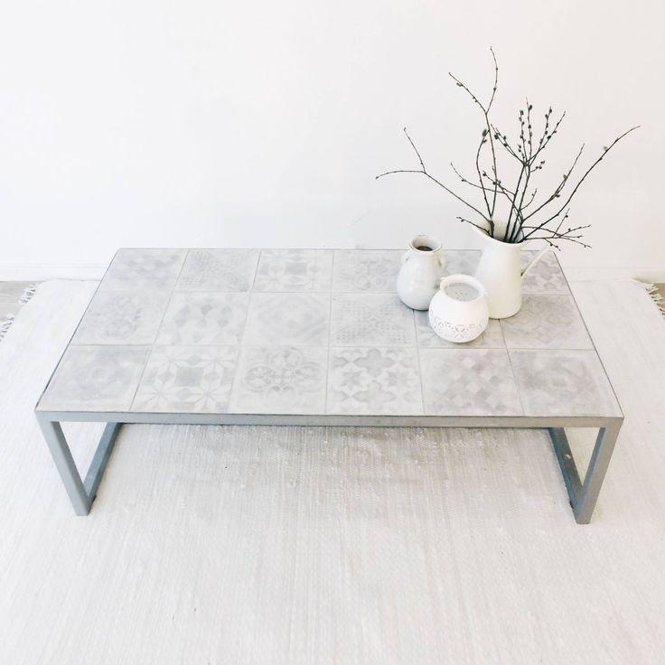 Sofabord med flotte fliser.