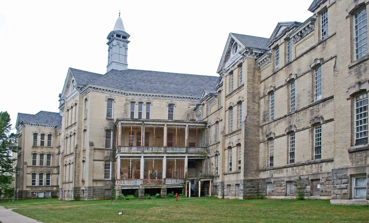I am fascinated with this historic insane asylum in Traverse City, MI.  Some of the buildings have been converted into shopping areas, winery, condos, and such.  Some of the buildings are still untouched.  A little creapy, but great for photos.