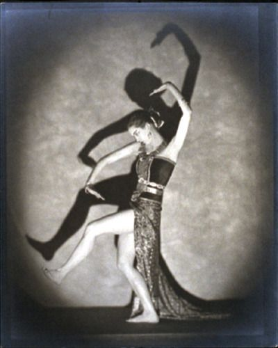 """Ann Douglas in """"Javanese Dance"""" - Nickolas Muray c. 1924"""