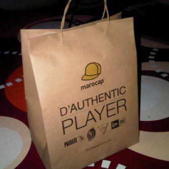 Tas Kertas Toko Topi - cocok untuk toko topi atau toko yang menjual pernak-pernik unik. Pemesanan, hubungi saja pin bb 59cb5834 atau cek di www.bikintaskertas.com