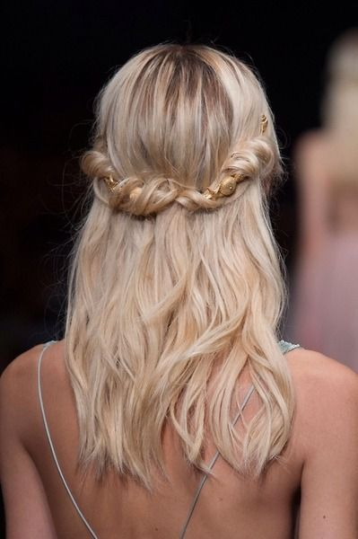 twisted halo - this looks like a super easy hairstyle!