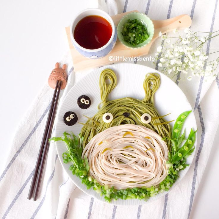 Time for #Totoro!! Totoro Soba foodart! So easy, anyone can make this too! http://littlemissbento.com/2015/02/totoro-soba-foodart/ … #foodart #japanese