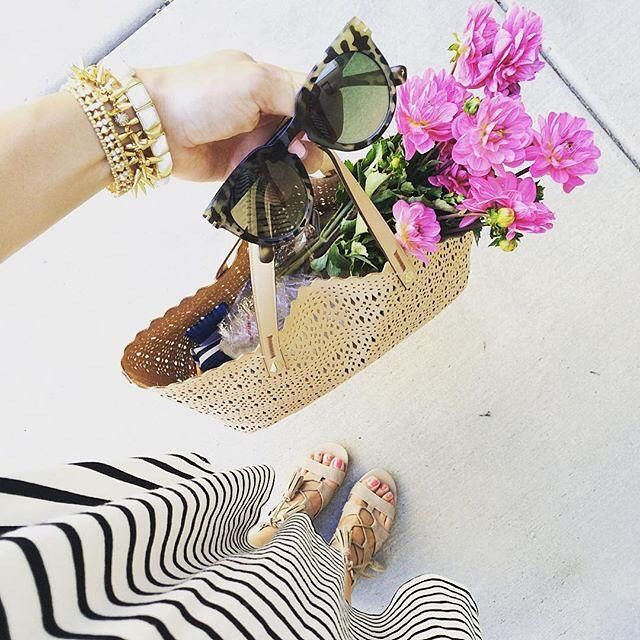 Shopping pretty pink flowers the blush Avalon tote. Shop tote through link in profile.