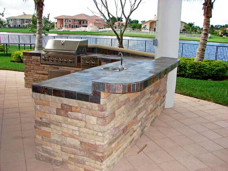 Built in bbq c stone and block counter bar outdoor for Built in barbecue grill ideas
