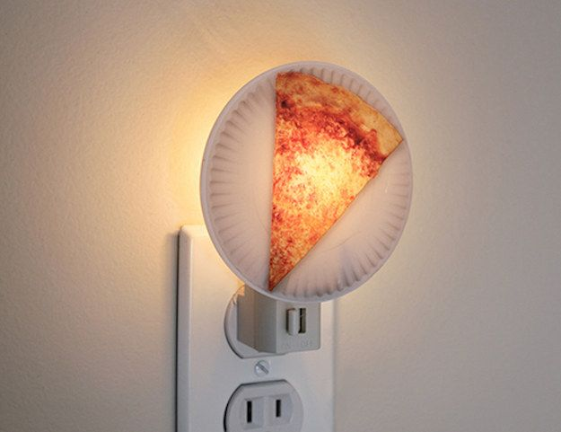 A night light that'll help you fall asleep dreaming of pizza.