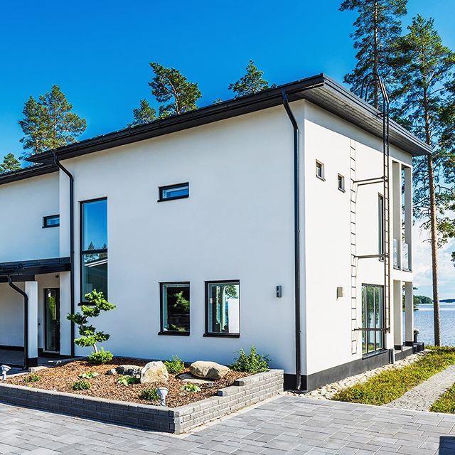 Tyylikäs ja ajaton Lammi-Kivitalo  #lammikivitalo #kivitalo #arkkitehtuuri #koti #valoisa #talo #house #valkoinen #lammikivitalot