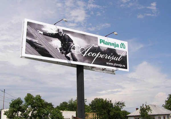 Panouri publicitare format 14x4m (unipoluri). Campanie Plannja