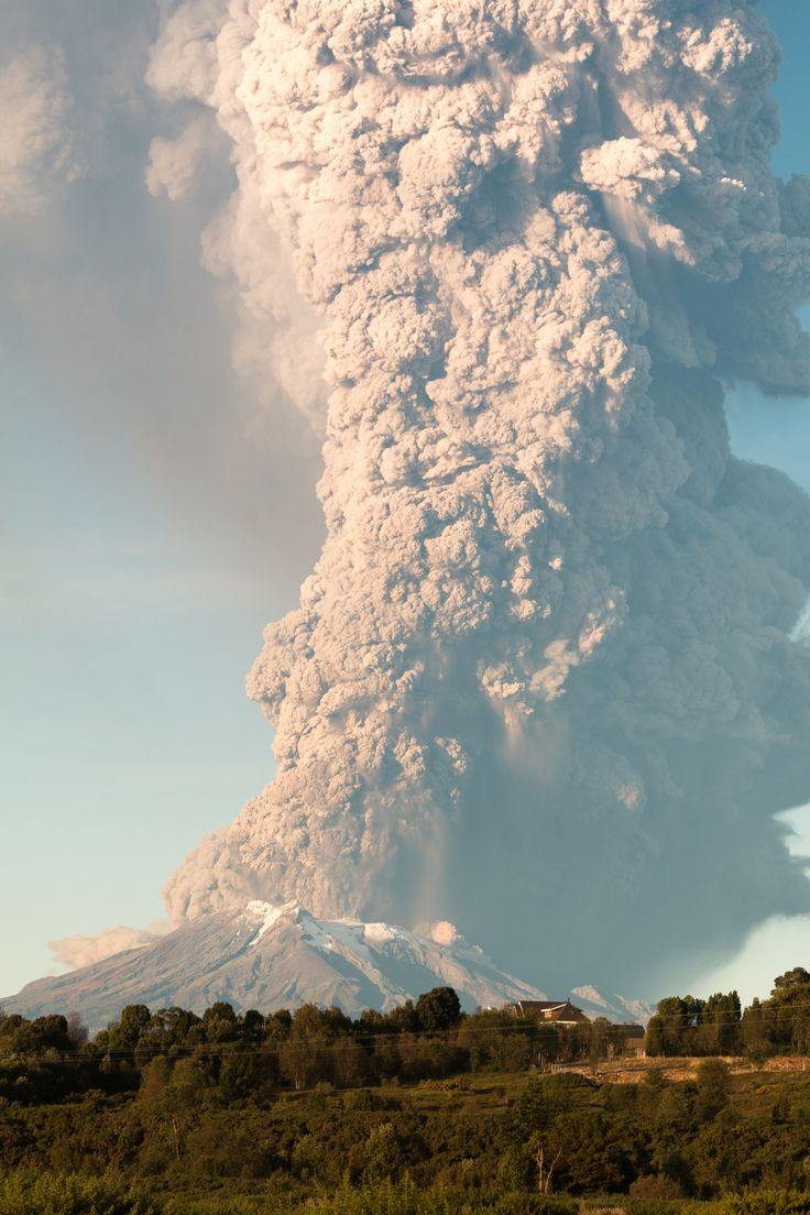The Calbuco Volcano in eruption. By Roger Smith on 500px