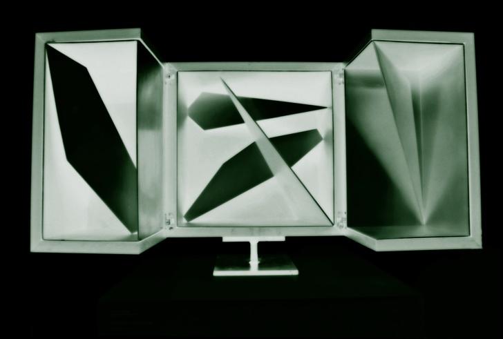 Riccardo Murelli's Interstzio Cubo sculpture