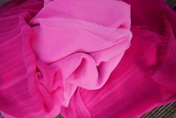 Mousseline en dégradés de rose - idéal foulard ou robe tunique chemise. 0c5929773ff