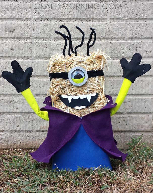 I stumbled upon this genius idea from Sabrina on Instagram! She turned a regular ol' straw bale into a spooky vampire minion decoration for Halloween! Today she is sharing her tutorial with us… Materials: 13″ straw bale (6″x5″ wide) 2 sheets of blue and purple felt 1 sheet yellow, black, white felt 18″ White Plastic …