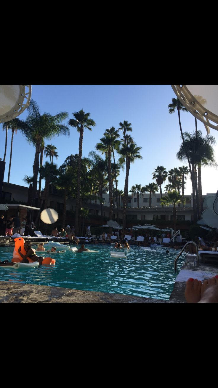 Pool party at Hollywood roosvelt hotel