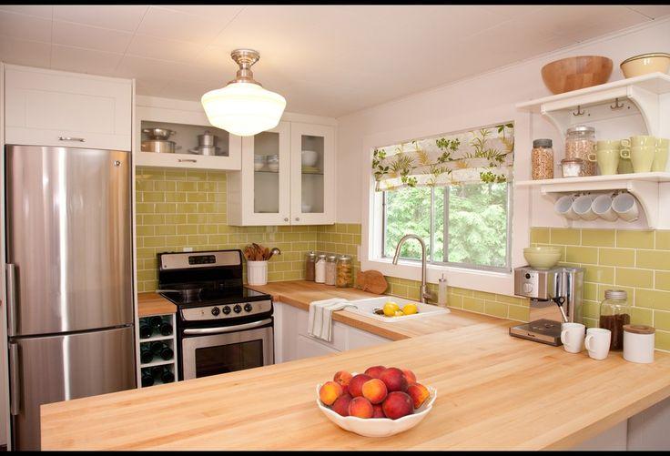 Summer House HGTVCottages Kitchens, Hgtv Canada, Summer Home, Cottages Ideas, Subway Tile, Design Maze, Cottages Design, Samantha Pynn, Kitchens Photos