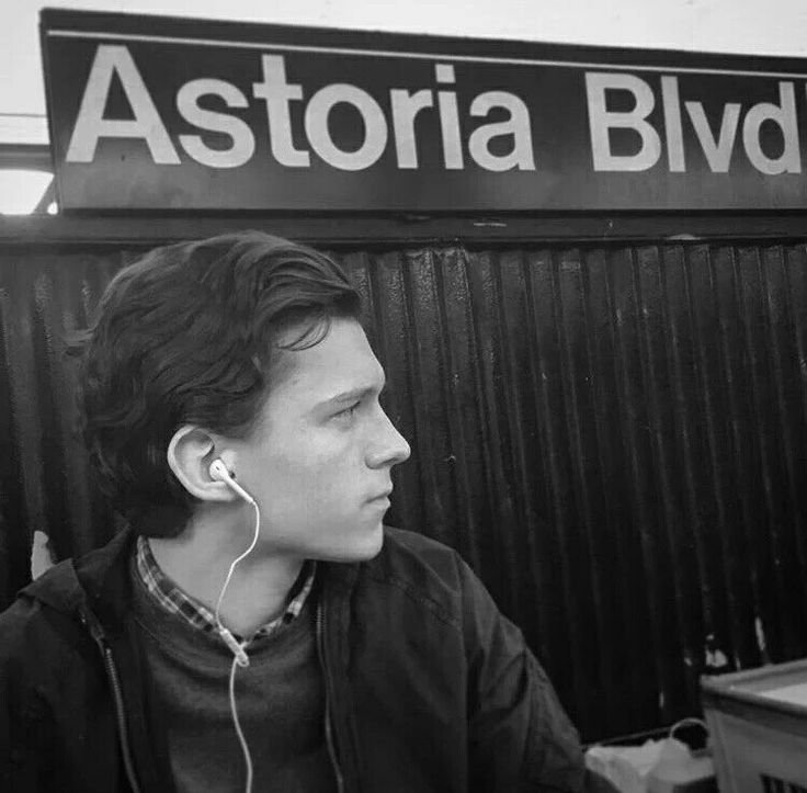 Spider-Man: Homecoming director Jon Watts posted this on Instagram of Tom Holland on the subway on Monday 26th Sept 2016.