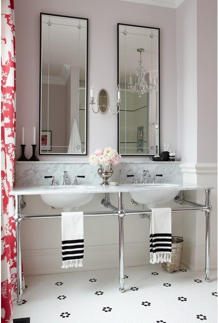 30 of the most stunning bathroom makeovers from one of Canada's favourite designers, Sarah Richardson.