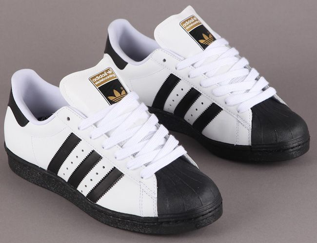 ADIDAS SUPERSTAR WHITE BLACK  041 adidas Superstar Skate | White / Black / Metallic Gold