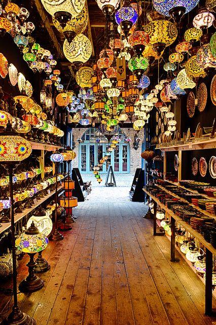 Ala Lampa, Camden Town, London