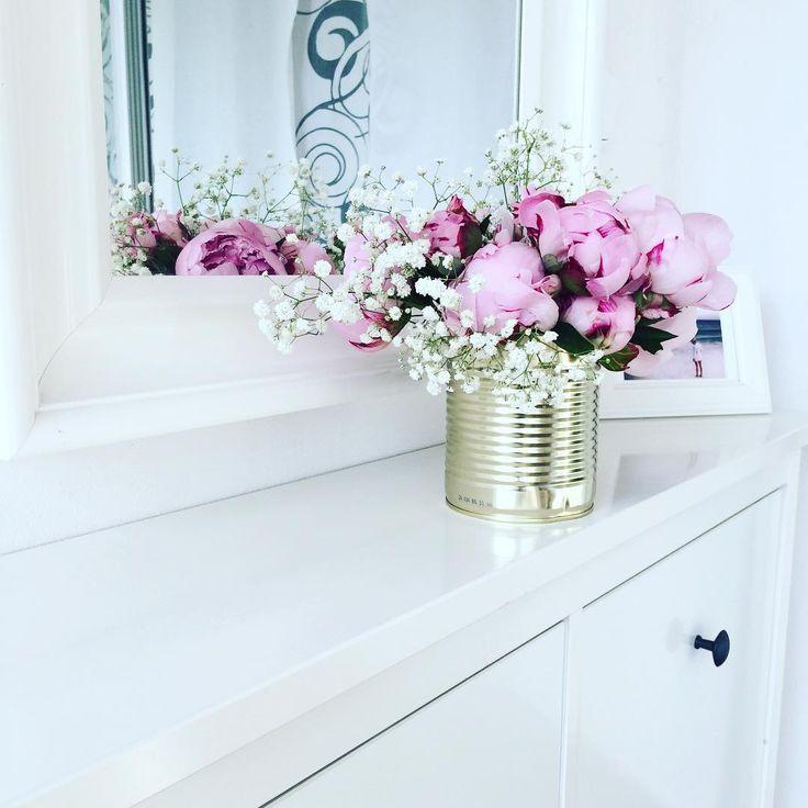 Pivonky v plechovce #svatbadesign #pivonky #inspirace #kvetiny #dekor #design #home #decoration #peonies #flowers