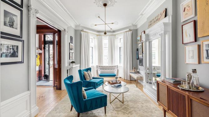 SELLERS: John Krasinski and Emily Blunt LOCATION: Brooklyn, NY PRICE: $8,000,000 SIZE: (approx.) 5,200 square feet, 4-7 bedrooms, 3.5 bathrooms YOUR MAMA'S NOTES: Though they bought it less than tw…