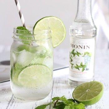 炭酸水で作ればノンアルコールで楽しむ事も出来ます♪ お酒が飲めない人にもおすすめです!                                                                                                                                                                                 もっと見る