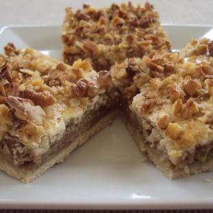 Rebarbora sa dá použiť aj v kuchyni, a to presne do koláčov. Rebarborový koláč s orechami je dezert, ktorý sa oplatí vyskúšať.
