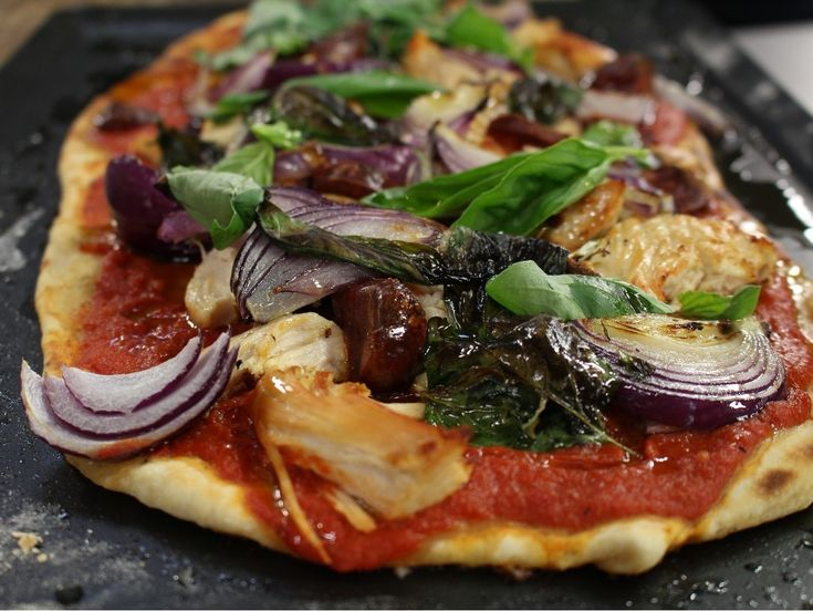 Chicken and chorizo are an amazing combination and this pizza flatbread makes for a delicious lunch or dinner served with a side salad. There is no cheese which make it a lower calorie alternative. What's not to love!?